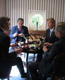 季節の和菓子とお抹茶をお召上がりいただきました