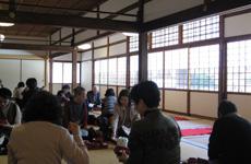 昼食は天龍寺境内で精進料理をいただきました。