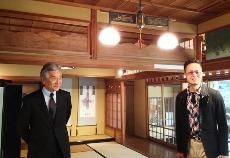 当館の古川館長(左)と西中先生(右)