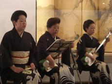 左から、長唄・杵屋六春さん、六秋さん、社中の方