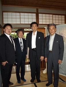 写真左から  常盤山親方、竹田耕三先生、貴乃花親方、 古川館長