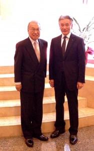 上島達司会長と古川館長