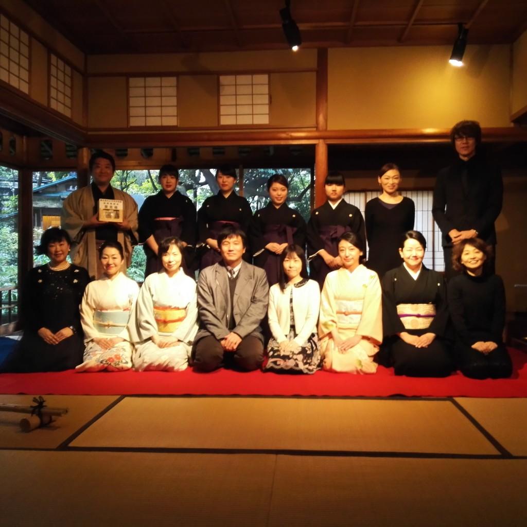 ANETの皆様と柴崎幸次先生氏(中央下段左)、鈴木美賀子氏(中央下段右)